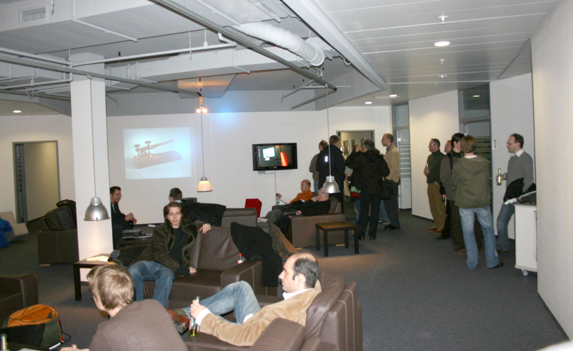 Webmontag Düsseldorf, der dritte - die Lounge der Mediadesign Hochschule